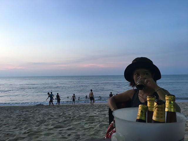 ビーチとビール、最高!