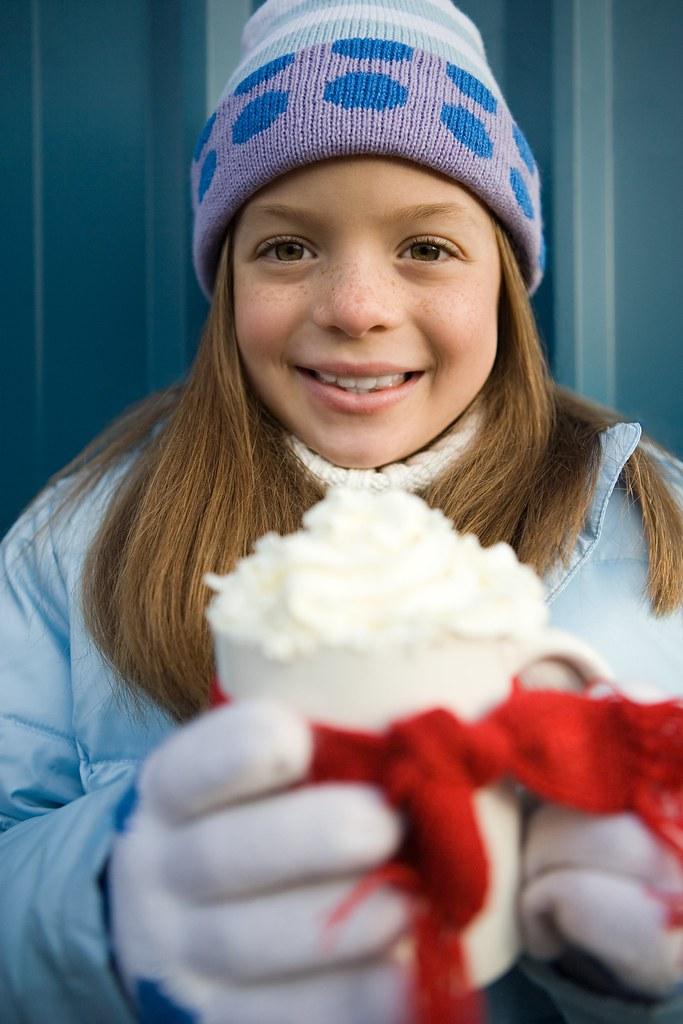 Natale 2009.Natale 2009 Girl Holding Mug Of Hot Chocolate Fiorista