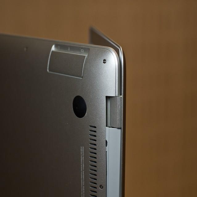 Broken hinge in my MacBook Air