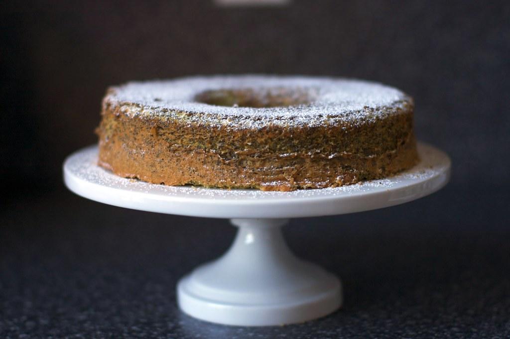 Poppy Seed Lemon Cake Poppy Seed Lemon Cake On Smittenkitc Flickr