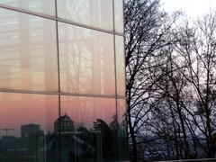Réflexion du Mudam dans les vitres du Centre de Conférences et de Congrès International (CCI)
