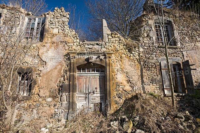 Maison en ruine orcival 63210 puy de d me 63 france for Animateur maison france 5