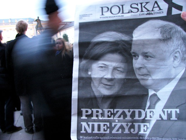 10.04.2010 The Times - outside the Presidential Palace, Warsaw by vataa