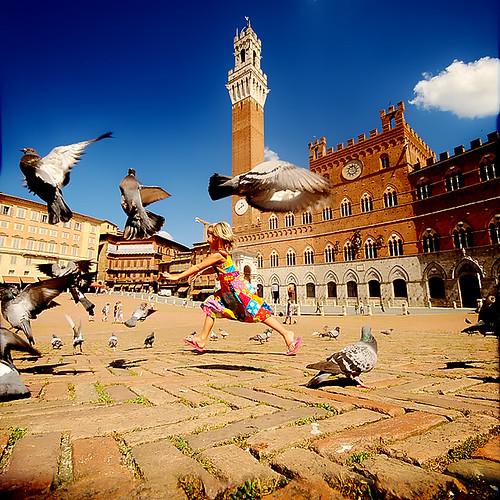 Bambina a Siena