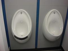 toilet seat(0.0), bidet(0.0), toilet(1.0), room(1.0), urinal(1.0), plumbing fixture(1.0),
