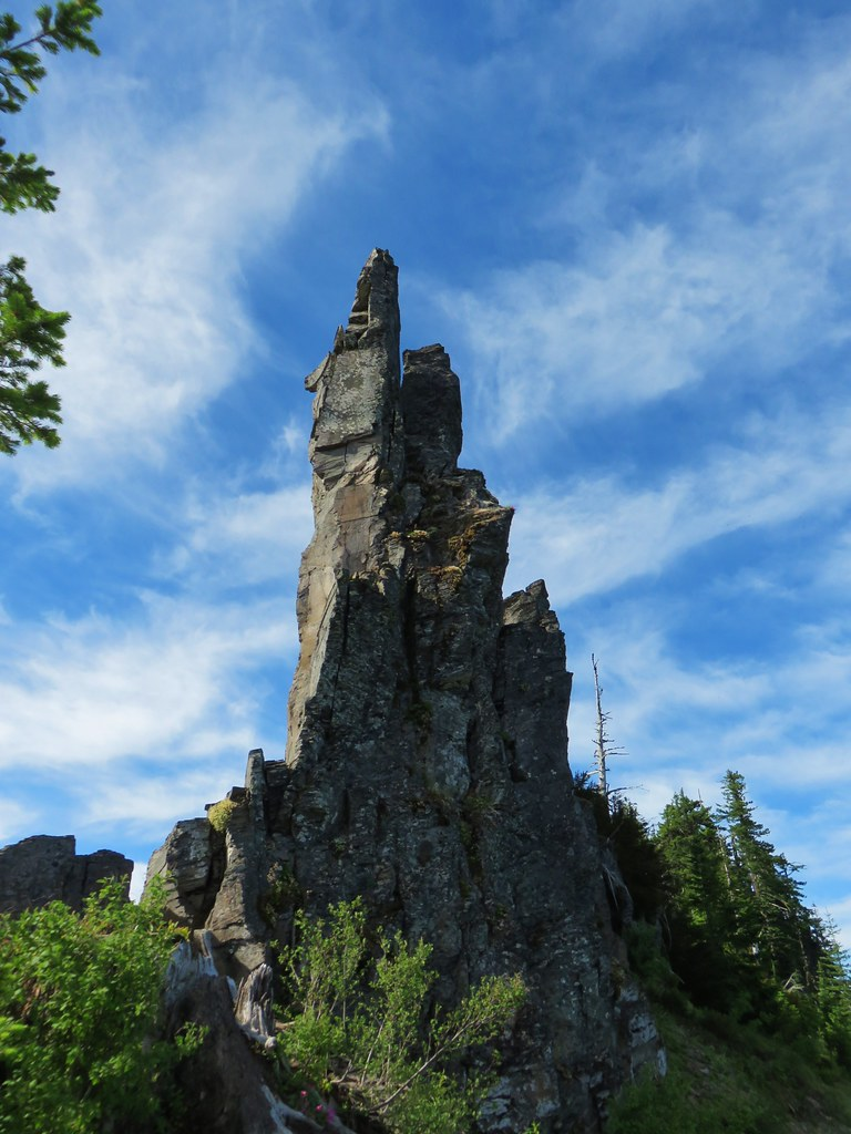 Rock pinnacle on Scar Mountain