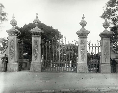 Gates at Royal Botanic Gardens