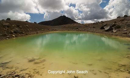 Crater Lake, Tongariro volcano