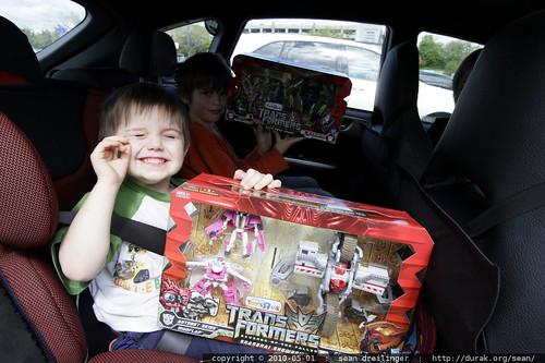 departing toys r us