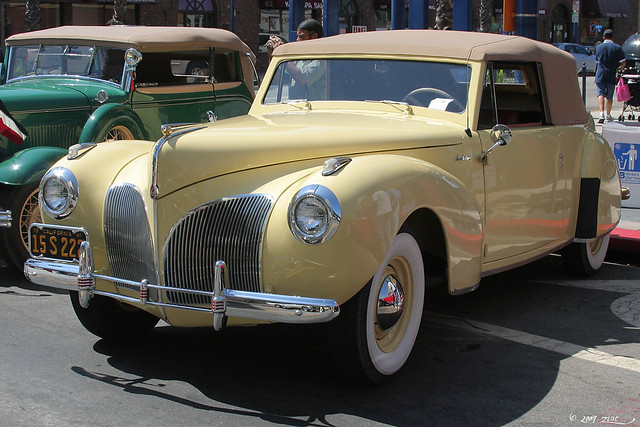 1941 Lincoln Continental Convertible - yellow - fvl