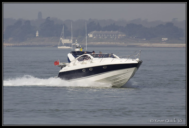 Fairline Targa 37. Motor boat (SSR124169) off Cowes, Isle of Wight, UK