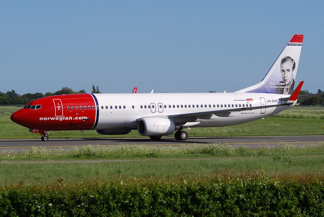 Norwegian Air Shuttle Boeing 737-8JP; LN-DYC@CPH;03.06.2010/574he