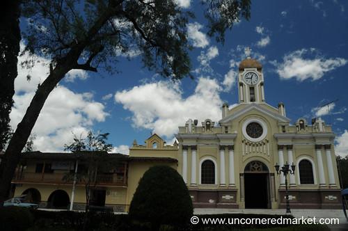 plaza church square ecuador iglesia dpn vilcabamba