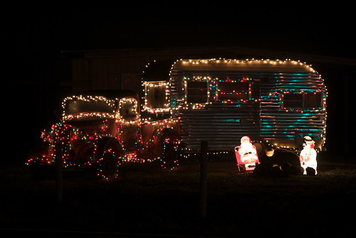 christmas truck camper with christmas lights christmas in a mobile home - Christmas Camper Decoration