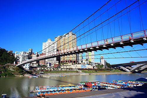 22J6碧潭吊橋