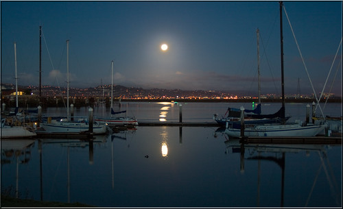 city moon set night reflections bay harbor boat san francisco wolf peaceful hills clear 100views sail redwood mast sailboats peninsula moonset 0201