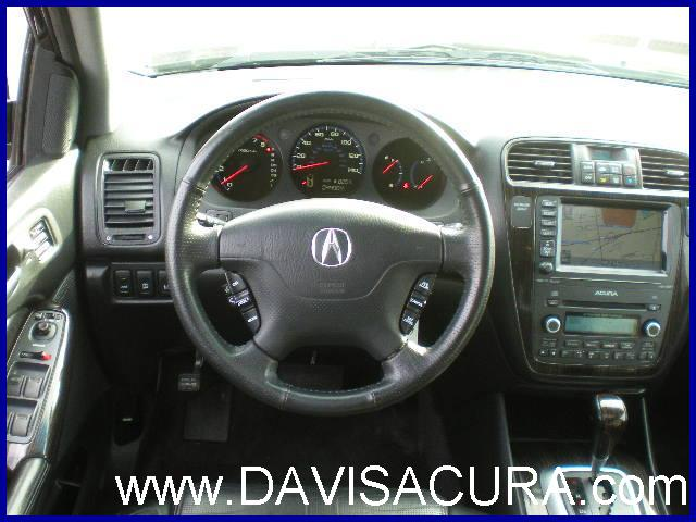 The Steering Wheel Of The 2006 Acura MDX Touring