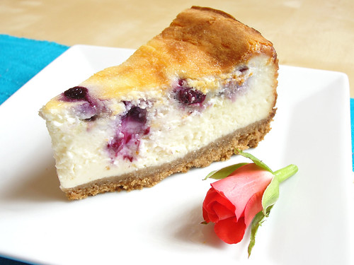 eggless blueberry and white chocolate baked cheesecake k