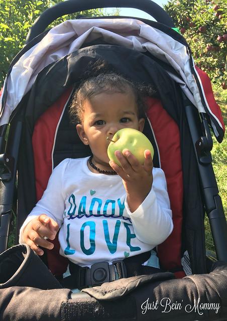 Olivia-apple