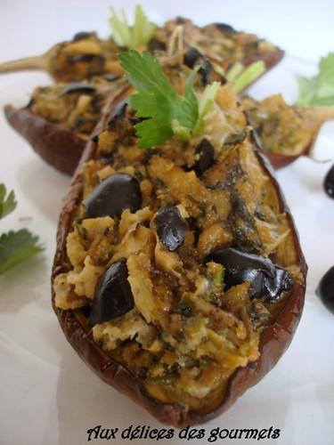 aux d lices des gourmets aubergines farcies au poivron et aux olives. Black Bedroom Furniture Sets. Home Design Ideas