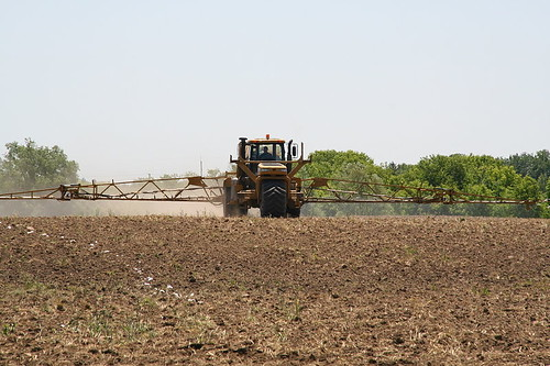 Liquid fertilizer application