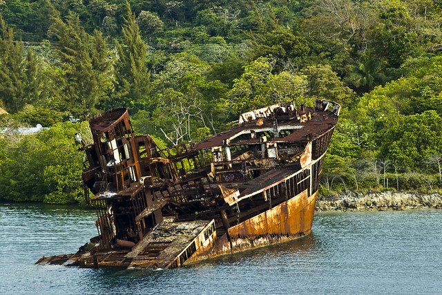 Ship Wreck in Roatan