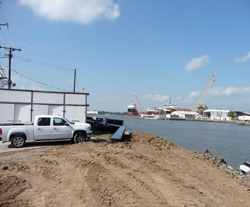 Levee behind  Motivated Seafoods (New Orleans, Louisiana)