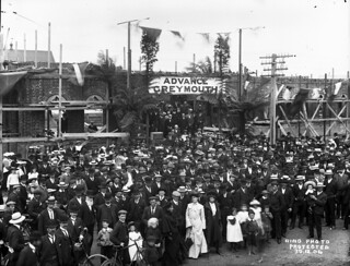 Laying foundation stone of Greymouth Town Hall and Carnegie Library, 30 December 1904