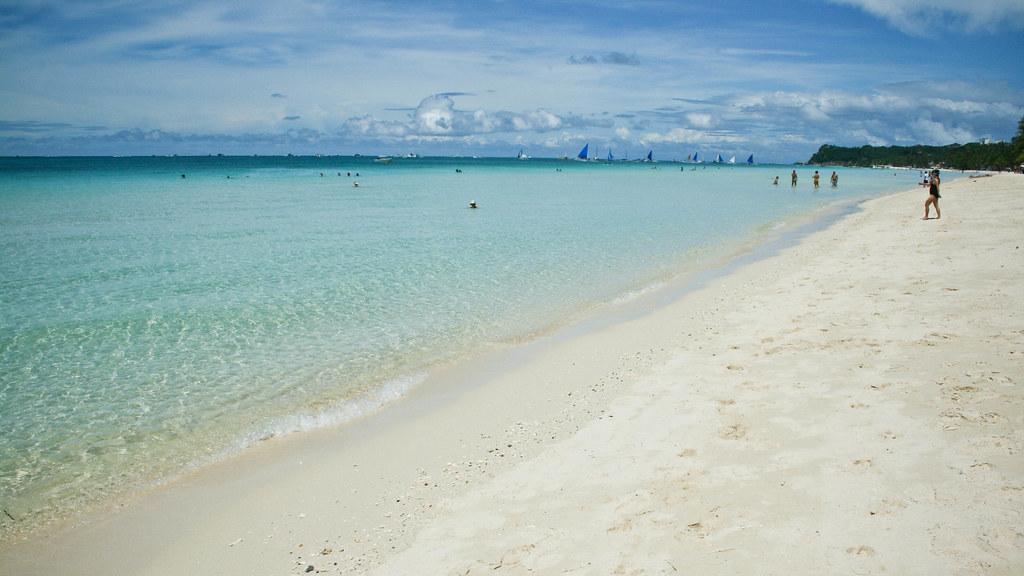 пляж White Beach боракай