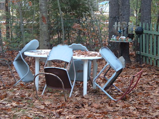 I'm going to miss you, pretty little chairs. See you in spring.