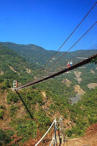 304S多納吊橋
