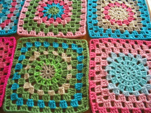 Manta de crochet de cuadrados grandes flickr photo - Mantas a crochet ...
