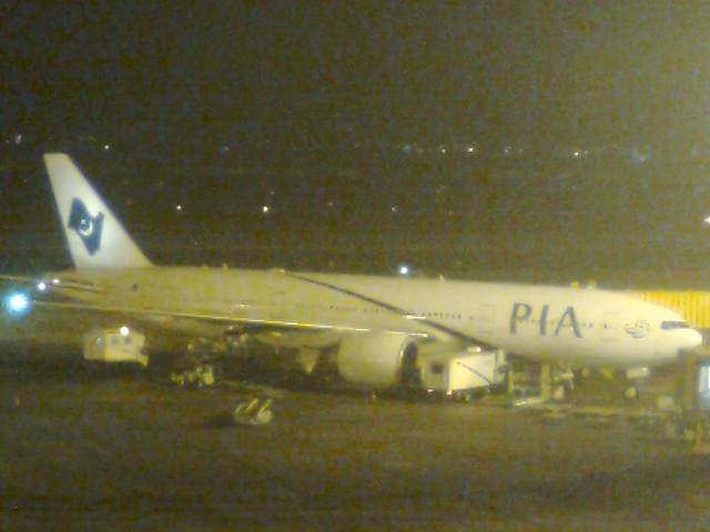 PIA AP-BGY BOEING 777