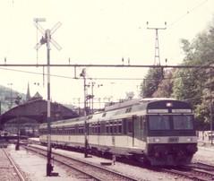 BT0032a Zoom auf Triebwagen RBDe 4/12 74 und Formrangiersignale in St. Gallen
