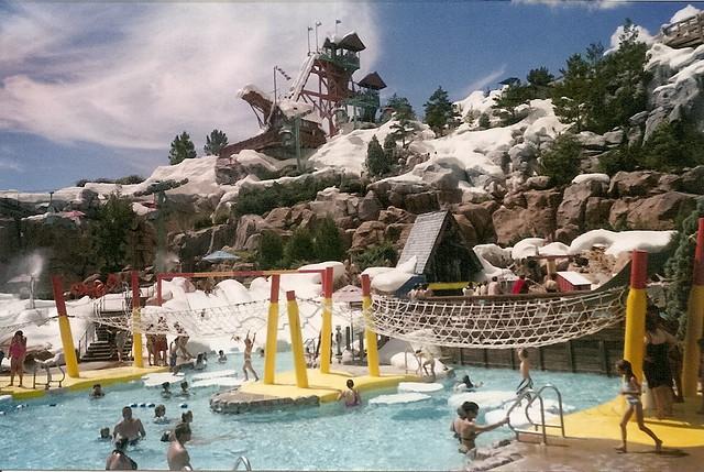 4632511709 48e10080ac z El maravilloso parque acuático Disneys Blizzard Beach
