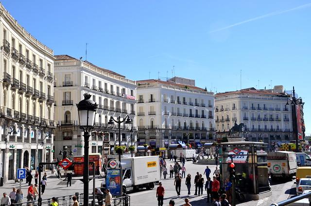 http://hojeconhecemos.blogspot.com.es/2010/11/do-puerta-del-sol-madrid-espanha.html