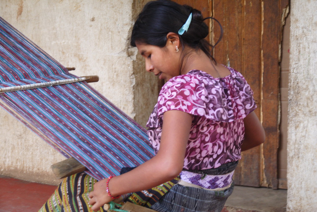 san juan girl weaving
