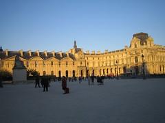 Le Louvre au coucher du soleil