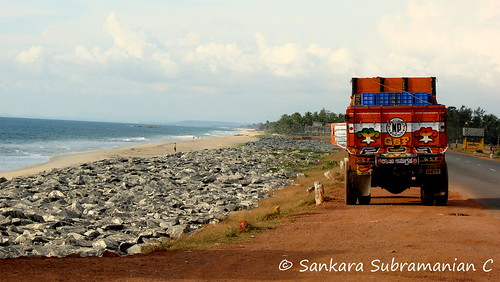 Trucker's favorite - The highway beach of Maravanthe