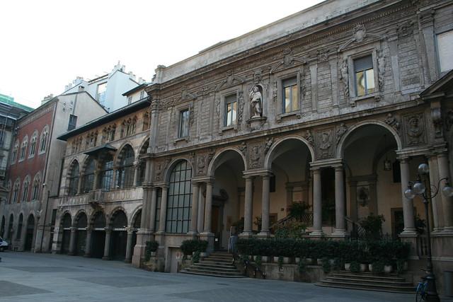 20091112 Milano 20 Piazza dei Mercanti 16