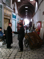 A conversation in the Medina