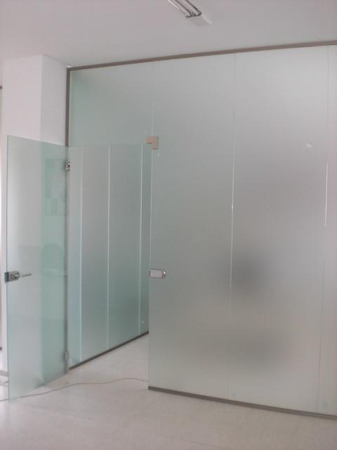 Cerramientos de oficinas con vidrio templado flickr for Cerramientos para oficinas