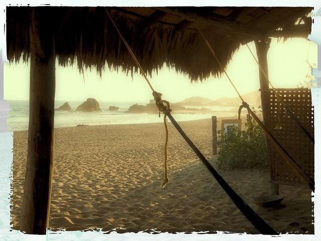 Una hamaca en la playa a hammock on the beach san - Hamacas de playa ...