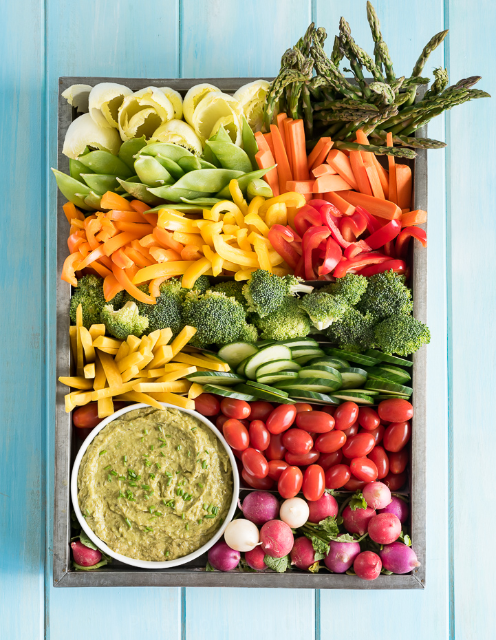 Summer Veggie Tray with Artichoke Avocado Pesto Dip www.pineappleandcoconut.com #Ad #Discoverworldmarket