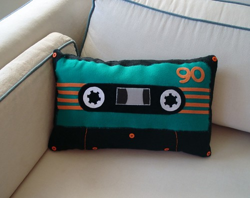 15 DIY Interesting and Useful Cassette Tape Reuses