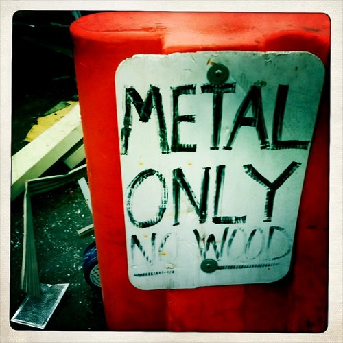 14/365 : Metal Only / No Wood