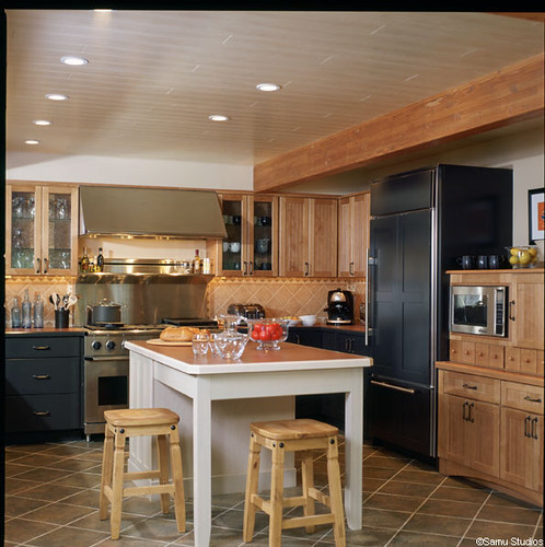 Post and beam kitchen with center island flickr photo - Kitchen island with post ...