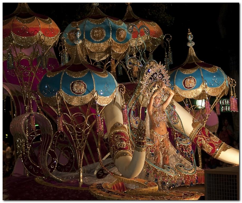 Reina del Carnaval en Santa Cruz de Tenerife - Flickr: maduroman