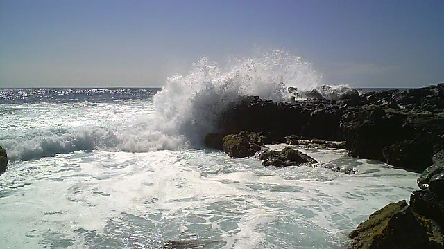 Ocean Waves at Kaena Point