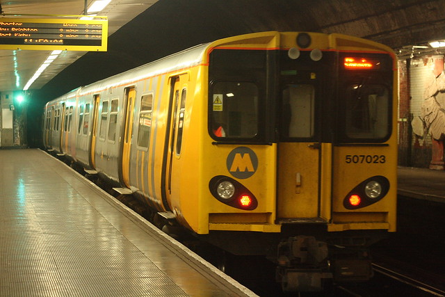 Class 507 at James St